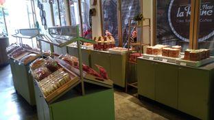 Foto 7 - Interior di New Lareine Coffee oleh Kuliner Keliling