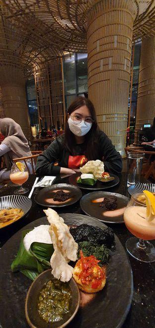 Foto 13 - Interior di Mandeh Restoran Padang - Hotel JHL Solitaire oleh Yohanacandra (@kulinerkapandiet)