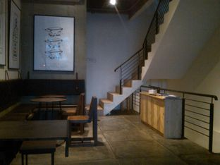 Foto 7 - Interior di Coffee Smith oleh Renodaneswara @caesarinodswr