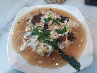 Foto 2 - Makanan(Kwetiaw Siram Seafood) di Lau's Kopi oleh Lisa Irianti