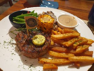 Foto review Cutt & Grill oleh Christalique Suryaputri 1