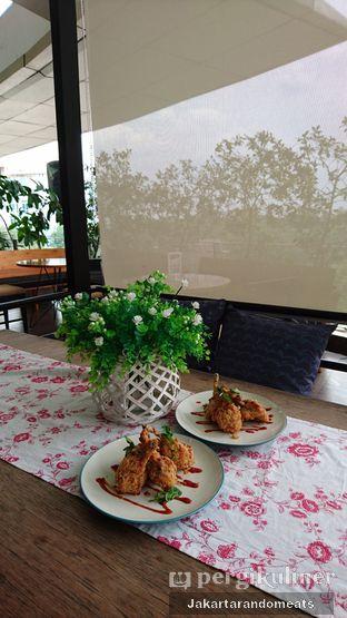 Foto 32 - Interior di Java Bean Coffee & Resto oleh Jakartarandomeats