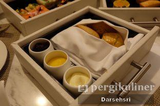 Foto 10 - Makanan di Peacock Lounge - Fairmont Jakarta oleh Darsehsri Handayani