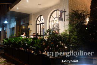 Foto 9 - Interior di Red Door Koffie House oleh Ladyonaf @placetogoandeat