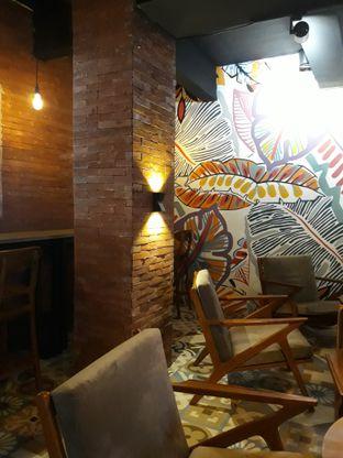 Foto 6 - Interior di Brouwen Coffee & Kitchen oleh Mouthgasm.jkt