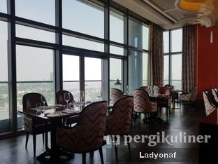Foto 6 - Interior di Alto Restaurant & Bar - Four Seasons oleh Ladyonaf @placetogoandeat