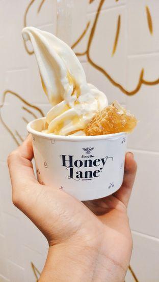 Foto 1 - Makanan di Honey Lane oleh thehandsofcuisine