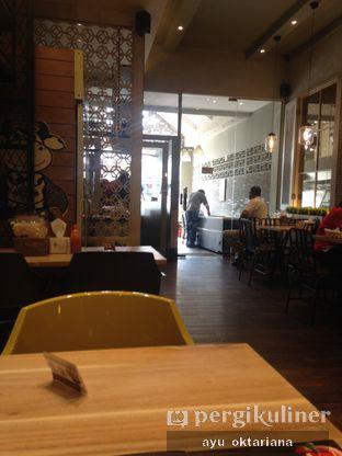 Foto 2 - Interior di Cafe MKK oleh a bogus foodie