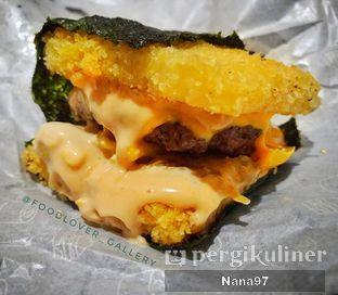 Foto 1 - Makanan di Burgushi oleh Nana (IG: @foodlover_gallery)