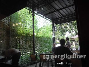 Foto 3 - Interior di Saint Ali Sadjili Coffee oleh Selfi Tan