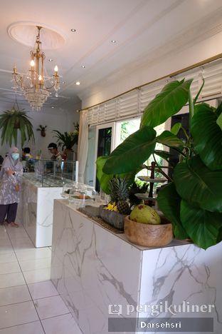 Foto 6 - Interior di The Warung oleh Darsehsri Handayani