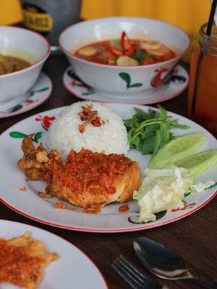 Foto 6 - Makanan di Warung Kukuruyuk oleh Ken @bigtummy_culinary