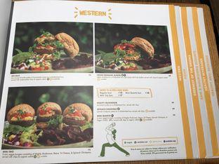 Foto 12 - Menu di Burgreens Eatery oleh FebTasty  (Feb & Mora)