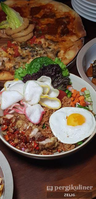 Foto 9 - Makanan di HALFWAY oleh @teddyzelig