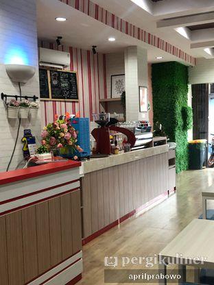 Foto 5 - Interior di Coffee Chel oleh Cubi