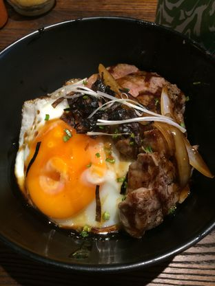 Foto 1 - Makanan(Beef Rice Bowl) di Lilikoi Kitchen oleh Elvira Sutanto