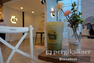 Foto 1 - Interior di Honey Comb oleh Darsehsri Handayani