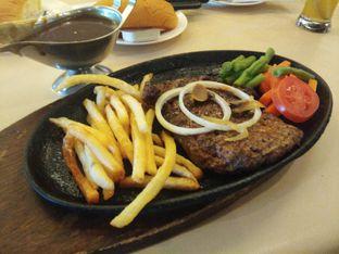Foto 5 - Makanan di Bon Ami Restaurant & Bakery oleh ochy  safira