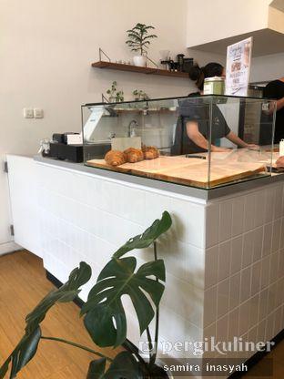 Foto 1 - Interior di Ruach Coffee oleh Samira Inasyah
