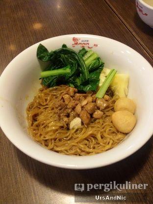 Foto 2 - Makanan(sanitize(image.caption)) di Bakmi Naga oleh UrsAndNic