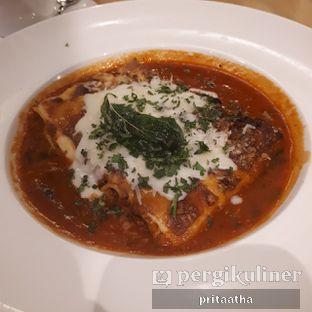 Foto 1 - Makanan(lasagna) di Kitchenette oleh Prita Hayuning Dias