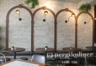 Foto 5 - Interior di Compagnie Koffie oleh Selfi Tan