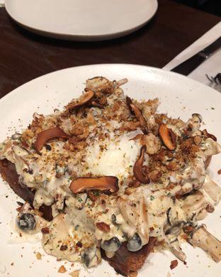 Foto 4 - Makanan(Mushroom toast) di Bara Restaurant oleh Claudia @claudisfoodjournal