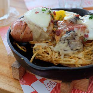 Foto review Yelo Eatery oleh Michael Lizar 4