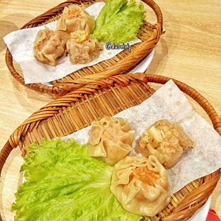 Foto 10 - Makanan(assorted seafood dimsum) di Kappa Sushi oleh duocicip