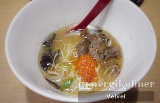 Foto 2 - Makanan(Beef Ramen) di Universal Noodle Ichiro Ramen Market oleh Velvel
