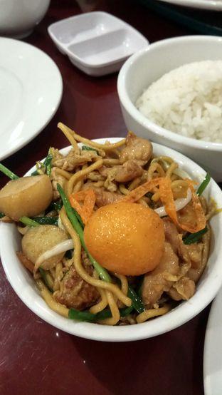 Foto 5 - Makanan(Bakmi Goreng) di Chang Tien Hakka Kitchen oleh YSfoodspottings