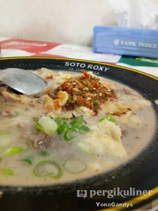 Foto 1 - Makanan di Soto Roxy H. Darwasa oleh Yona dan Mute • @duolemak