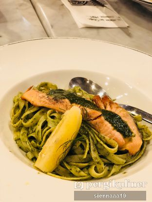 Foto 6 - Makanan(SALMON PESTO) di AW Kitchen oleh Sienna Paramitha
