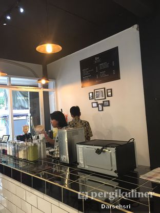 Foto 7 - Interior di Olu Coffee & Kitchen oleh Darsehsri Handayani