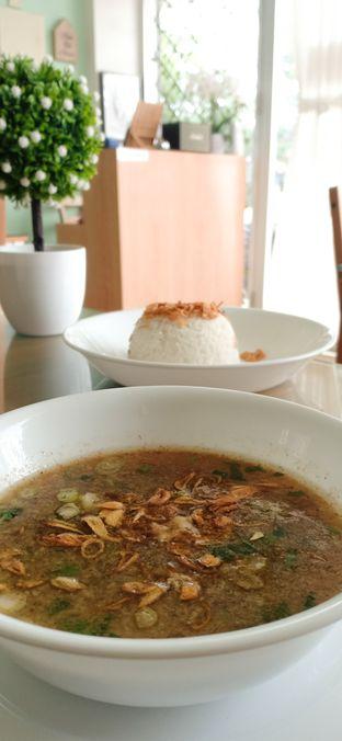Foto 1 - Makanan(Coto Makassar + Nasi) di Ta' Pe Rasa oleh eirene