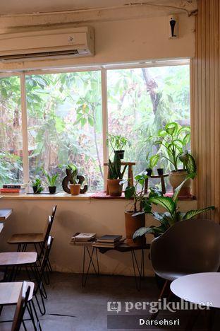 Foto 4 - Interior di 7 Speed Coffee oleh Darsehsri Handayani