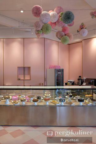 Foto 10 - Interior di Mister & Misses Cakes oleh Darsehsri Handayani