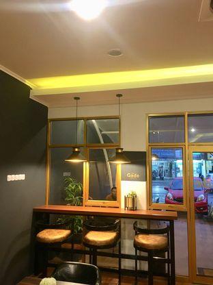 Foto 9 - Interior di The Gade Coffee & Gold oleh Prido ZH