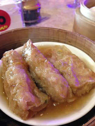 Foto 5 - Makanan(Steam Lumpia Ayam) di Wang Fu Dimsum oleh awakmutukangmakan