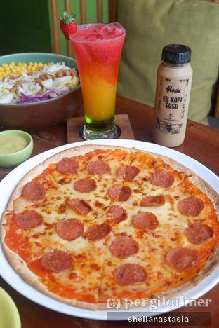 Foto 7 - Makanan(Pepperoni Pizza) di Glosis oleh Shella Anastasia