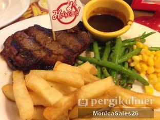 Foto 5 - Makanan di Holycow! STEAKHOUSE by Chef Afit oleh Monica Sales