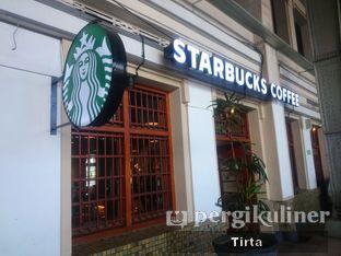 Foto 5 - Eksterior di Starbucks Coffee oleh Tirta Lie