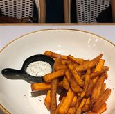 Foto Sweet potato fries di Amyrea Art & Kitchen