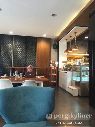 Foto 7 - Interior di Workroom Coffee oleh Kezia Nathania
