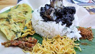Foto 3 - Makanan(nasi cumi premium) di Nasi Cumi Hitam Madura Pak Kris oleh Komentator Isenk