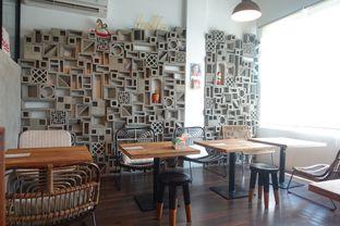 Foto 14 - Interior di Pomato Coffee oleh inggie @makandll
