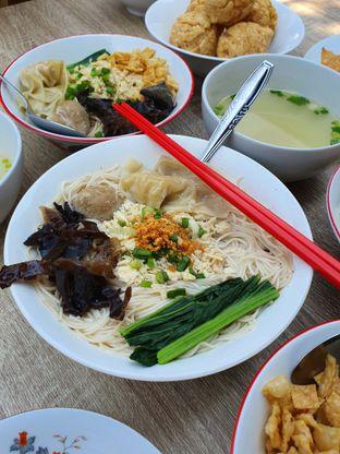 Foto 6 - Makanan di Bakmie Tjap Ayam oleh imanuel arnold