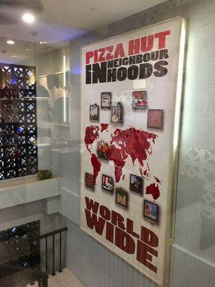 Foto 1 - Interior di Pizza Hut oleh Prido ZH
