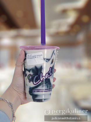 Foto - Makanan(Grass Jelly with Fresh Milk) di Chatime oleh Julian with danisa