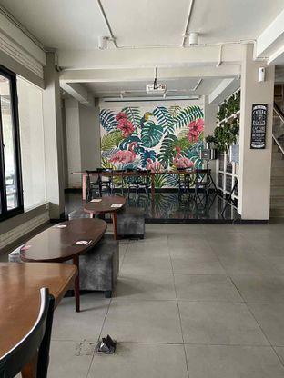 Foto 8 - Interior di Baks Coffee & Kitchen oleh Jeljel
